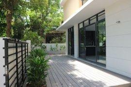 Cho thuê villa 5 phòng ngủ tại Phước Long B, Quận 9, Hồ Chí Minh