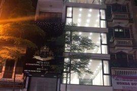 Cho thuê nhà phố 5 phòng ngủ tại Trung Hòa, Quận Cầu Giấy, Hà Nội